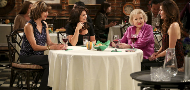 Hot in Cleveland AXN White HD Quinta Temporada I