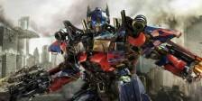 Akiva Goldsman está em negociações com a Paramount para se juntar a Transformers e delinear vários planos para o franchise.