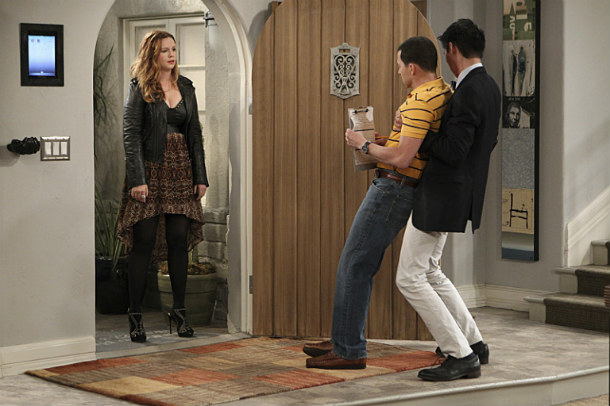 Two and a Half Men T11 AXN White HD Foto II