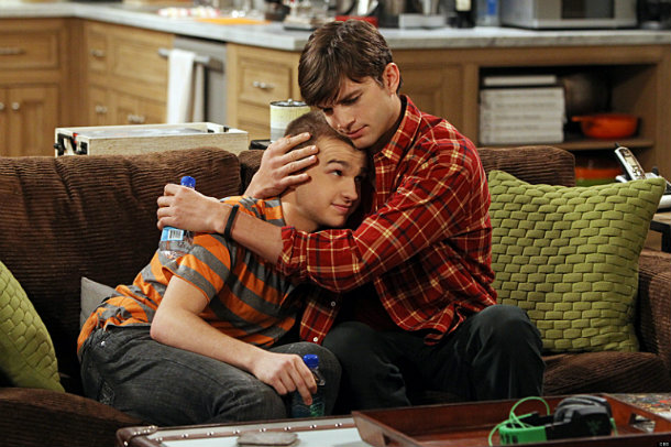 Two and a Half Men T11 AXN White HD Foto III