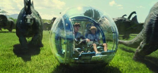jurassic-world-gyrosphere