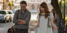 Woody Allen está de volta à neurose, desta feita acompanhado de Joaquin Phoenix e Emma Stone.
