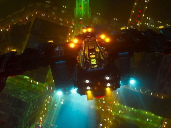 Batman_Lego_Batwing_2
