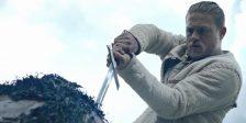 Foi divulgado um novo trailer do filme King Arthur: Legend of the Sword, que nos mostra mais imagens da jornada do rei até à mítica espada.