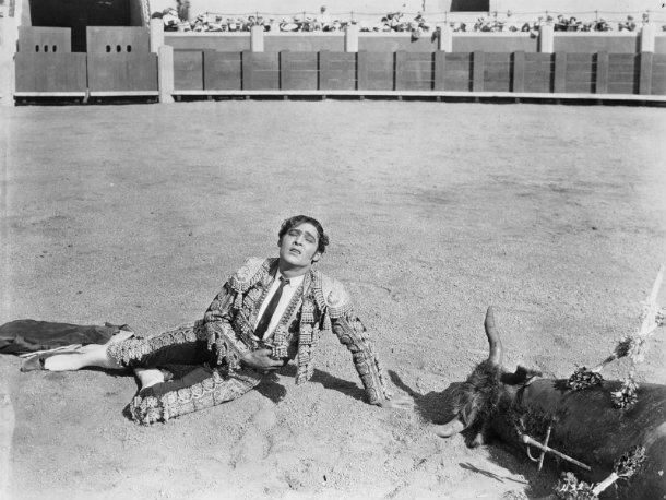 dorothy arzner blood and sand
