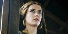 Eva Green manteve a classe na sua nudez em televisão - estreando-se em Camelot, a fábula do Rei Artur para adultos.