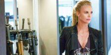 Charlize Theron revela-se uma vilã de peso para Dominic Toretto e resto da equipa neste último trailer de Velocidade Furiosa 8!