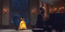 """Assiste ao romântico videoclipe com Bela e o Monstro a dançar ao som da nova versão da famosa música """"Beauty and the Beast""""."""