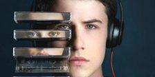 Focada em vários temas tabu como o bullying e o suicídio, 13 Reasons Why torna-se no grande sucesso Netflix devido à sua enorme popularidade.