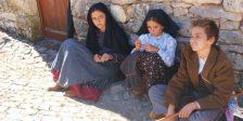 Com estreia nas salas de cinema já dia 13 abril, segue caminho para a TVI o filme que conta a vida de Jacinta, uma das pastorinhas de Fátima