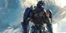 Os fãs de Transformers recebem hoje uma grande surpresa, mais um teaser de O Último Cavaleiro, o próximo capítulo da saga de Michael Bay.