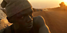 Makala é um documentário lírico e minimalista que teve a honra de ganhar o prémio principal da Semana da Crítica de Cannes.