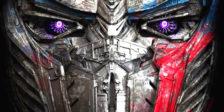 Transformers: O Último Cavaleiro redefine o significado de herói. Optimus Prime partiu e a chave para salvar o mundo está enterrada no passado.