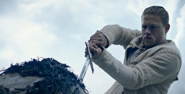 rei artur a lenda da espada critica