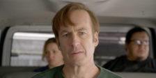 É uma ilha no atual panorama televisivo. Na sua melhor temporada até à data, fica claro: Better Call Saul está ao nível de Breaking Bad.