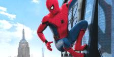 No novo Homem-Aranha, Peter regressa a casa, onde vive com a tia May, sempre debaixo do olhar vigilante no seu novo mentor.