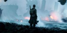 Dunkirk começa com centenas de milhares britânicos e aliados a serem cercados por inimigos. Encurralados na praia enfrentam uma situação impossível.