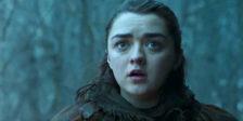 No quinto episódio de Game of Thrones, Littlefinger deixou um pergaminho antigo para Arya encontrar. Conseguiram perceber o que tinha escrito?