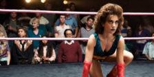 A série GLOW, que se baseia num reality show dos anos 80, vai ter segunda temporada, confirmada pela Netflix na passada terça-feira.
