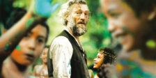 Paul Gauguin (Vincent Cassel) é um pintor fracassado que viaja até ao Tahiti onde se redescobre enquanto artista e enquanto homem.