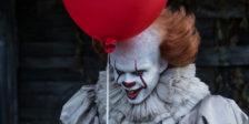 A primeira adaptação cinematográfica de IT, o clássico literário de Stephen King, é o fenómeno de que se fala. Mas será verdadeiramente revolucionário?