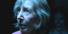"""""""Insidious: A Última Chave"""" traz de volta a Dra. Elise Rainier, a brilhante parapsicólogaenfrenta, na sua casa de família, a maior de todas as assombrações."""
