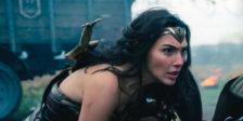"""A actriz confirmou que Brett Ratner não estará envolvido na produção de """"Mulher Maravilha 2"""", na sequência das acusações de assédio que foram feitas contra o produtor."""