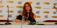 """Katherine McNamara, de """"Shadowhunters"""", esteve no segundo dia da Comic Con Portugal 2017 deixando em aberto a 3ª temporada da série."""