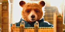 """""""Paddington 2"""" é a adorável continuação das aventuras do mais famoso urso peruano falante e viciado em doce de laranja do cinema britânico."""