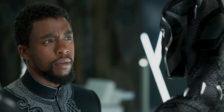 """A Marvel presenteou os fãs que aguardam ansiosamente a estreia de """"Black Panther"""", revelando um novo teaser televisivo no dia de Natal."""