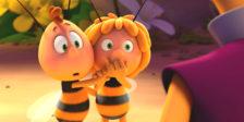 """Em """"Abelha Maia 2: Os Jogos do Mel"""" a pequena abelha terá de participar numa competição pelo mel da sua colmeia."""