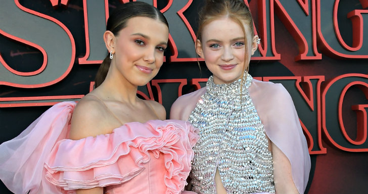 elenco stranger things Millie Bobby Brown e Sadie Sink