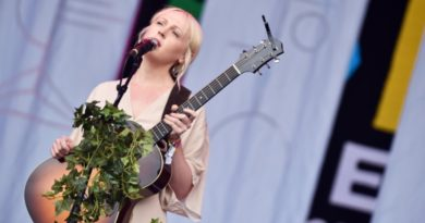 Laura Marling_Held Down_Song For Our Daughter