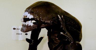 alien on stage critica motelx